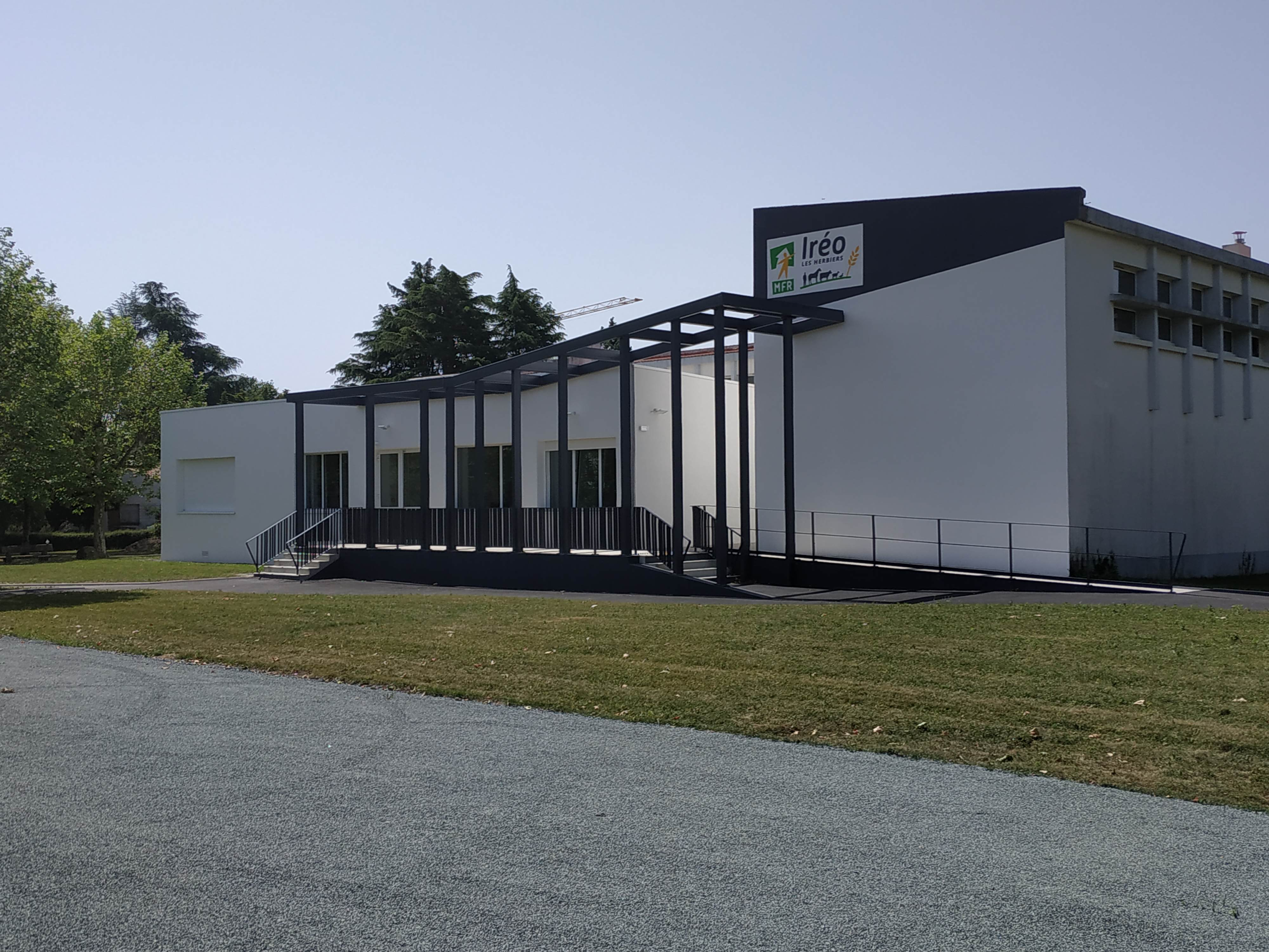 nouvelle facade ireo les Herbiers MFR